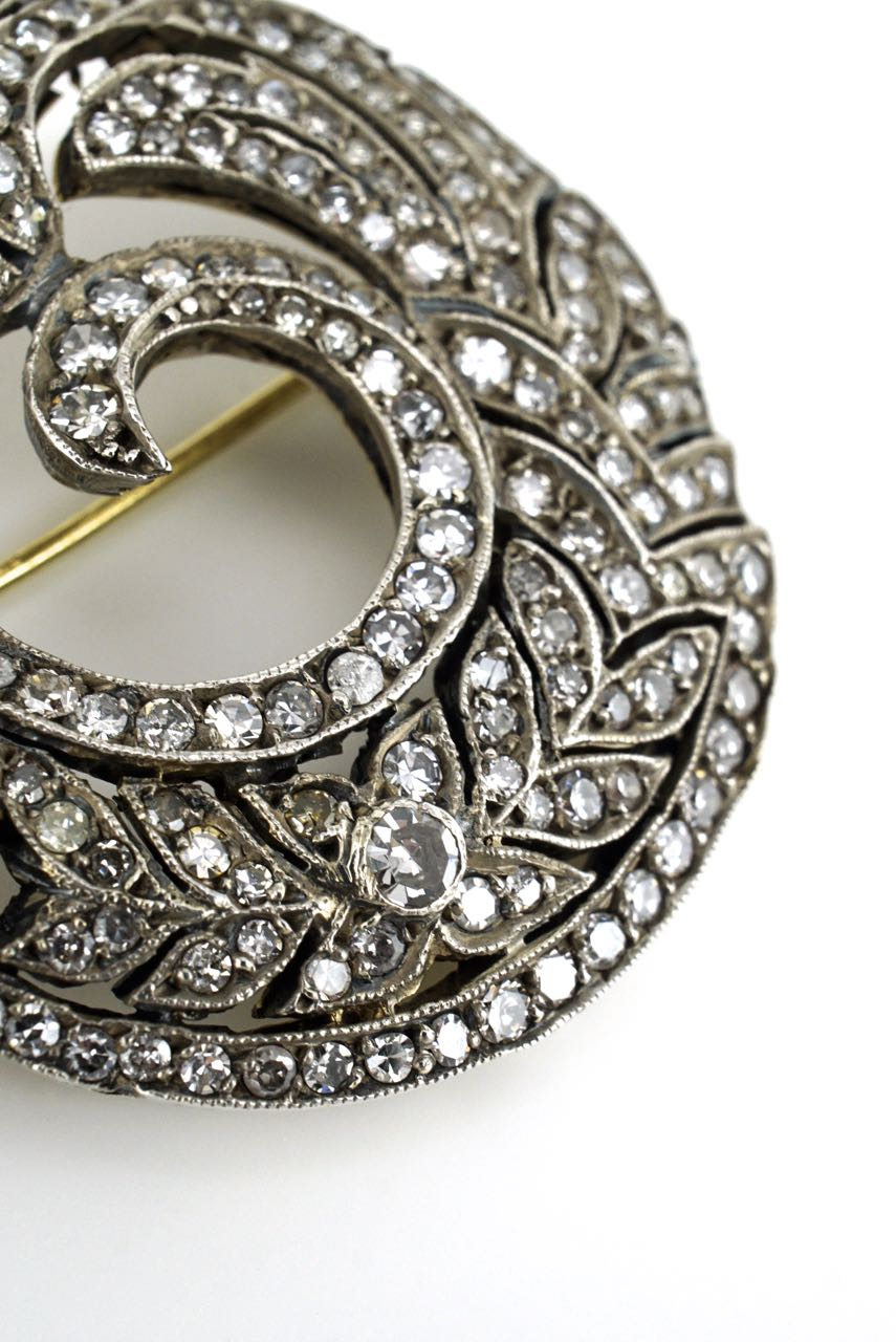 Silver and 18k gold diamond wreath brooch 1940s