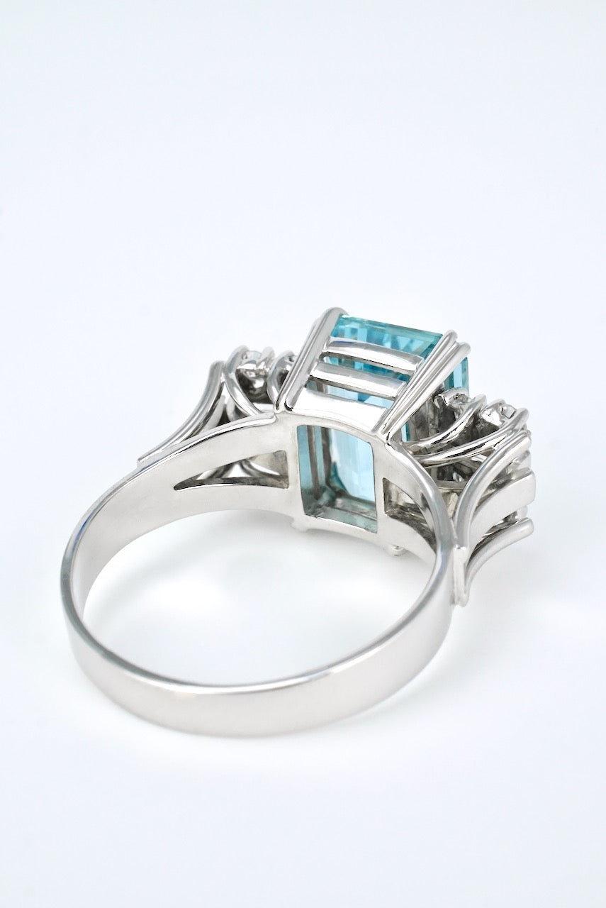Vintage 18k White Gold Aquamarine Diamond Ring 1960s