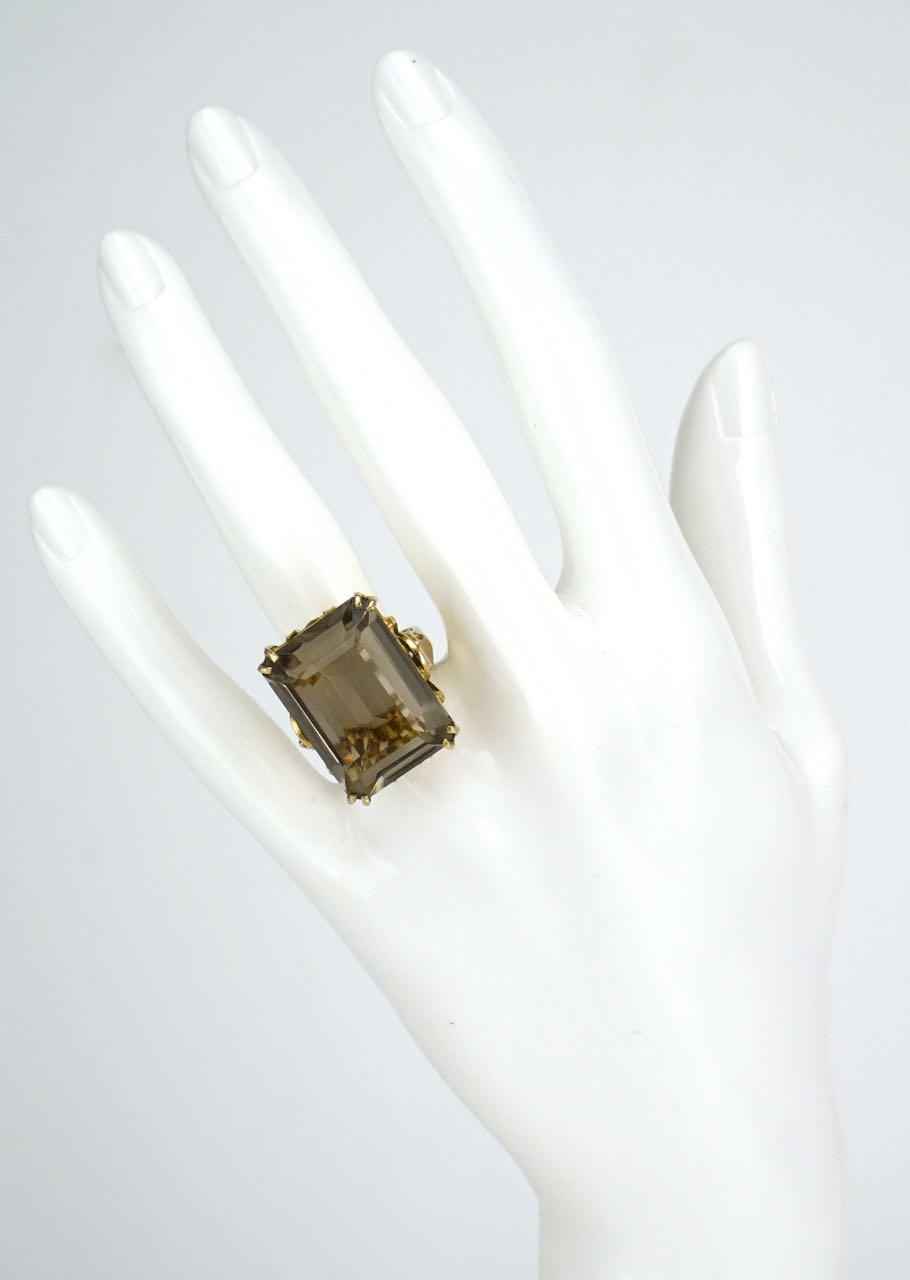 Vintage 9k yellow gold smoky quartz cocktail ring