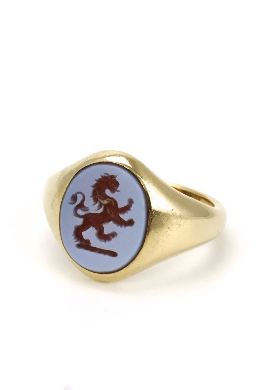 9k yellow gold lion intaglio carnelian signet ring - 1980s