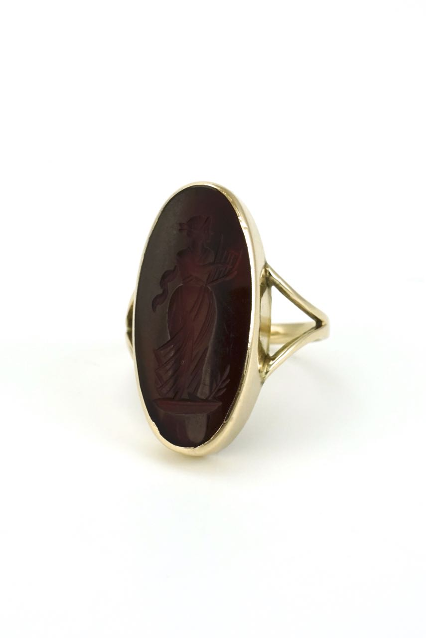 9k yellow gold oval carnelian intaglio ring 1890s
