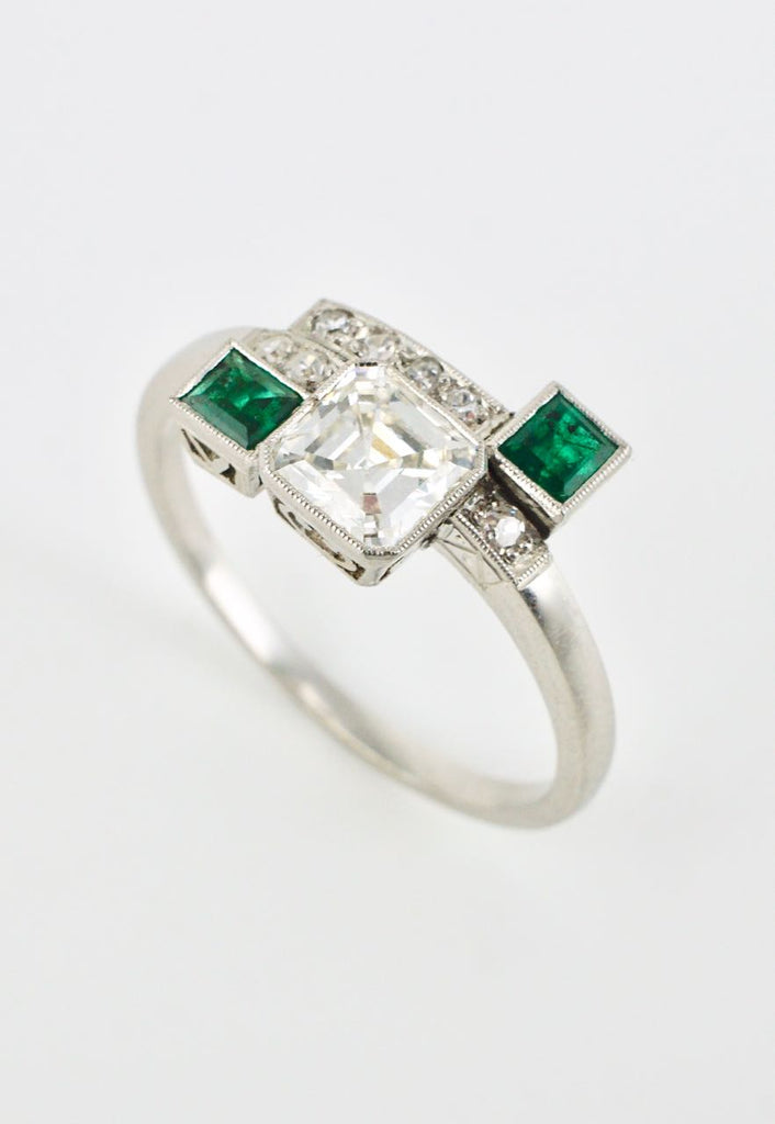 Art Deco Platinum Diamond Emerald Ring 1930s
