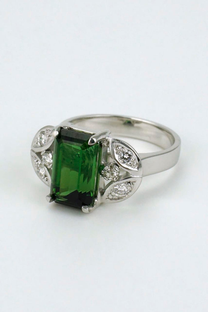 Vintage 18k White Gold Green Tourmaline Diamond Ring 1960s