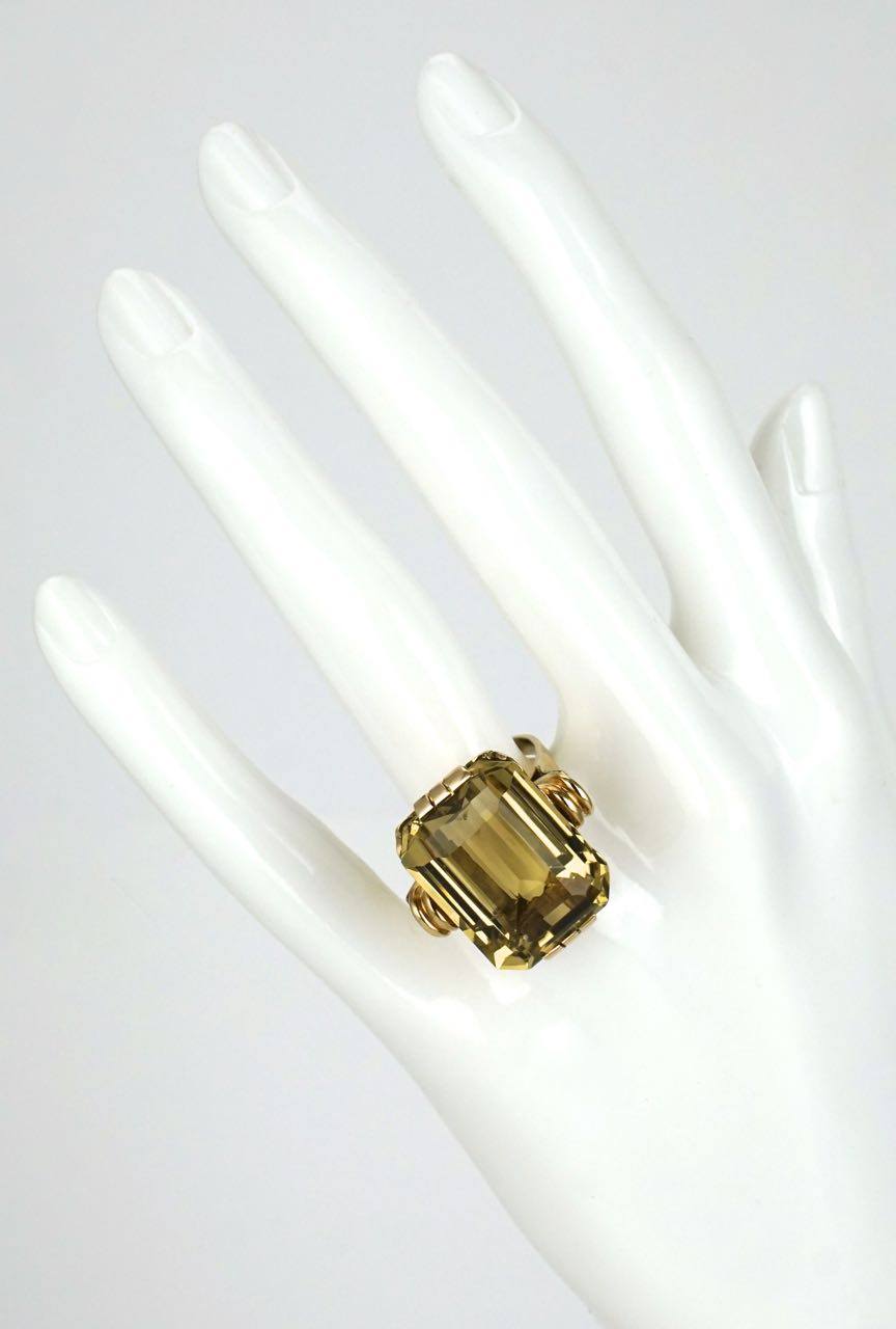 9k gold smoky quartz Art Deco style ring 1960s