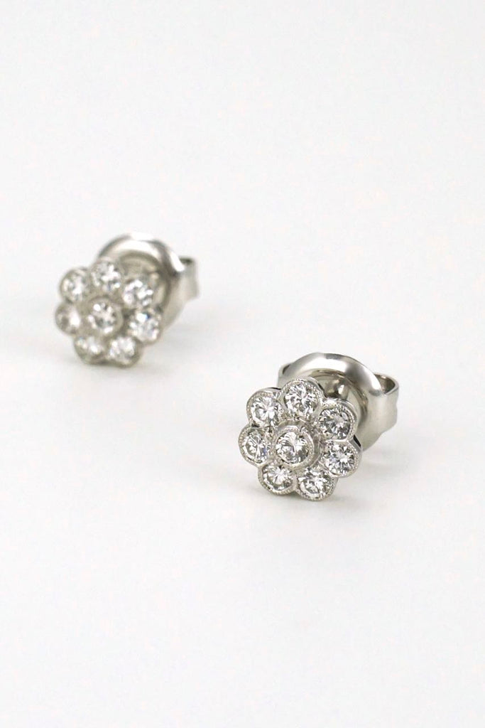 18k white gold diamond daisy cluster stud earrings