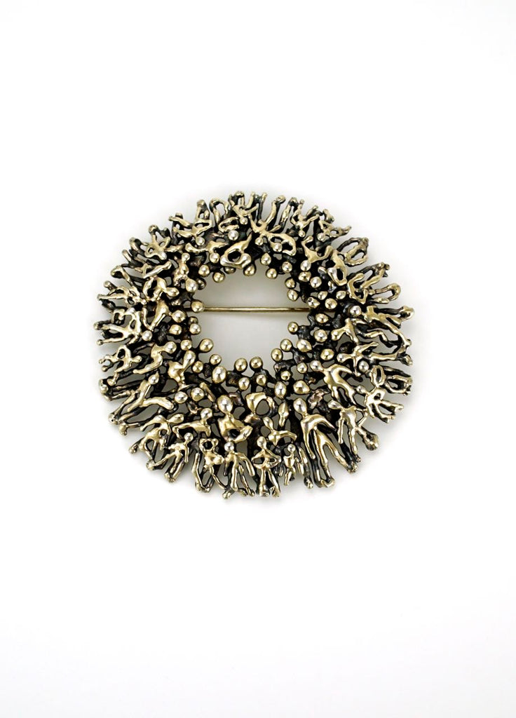 Stuart Devlin sterling silver abstract people round textured brooch 1980s