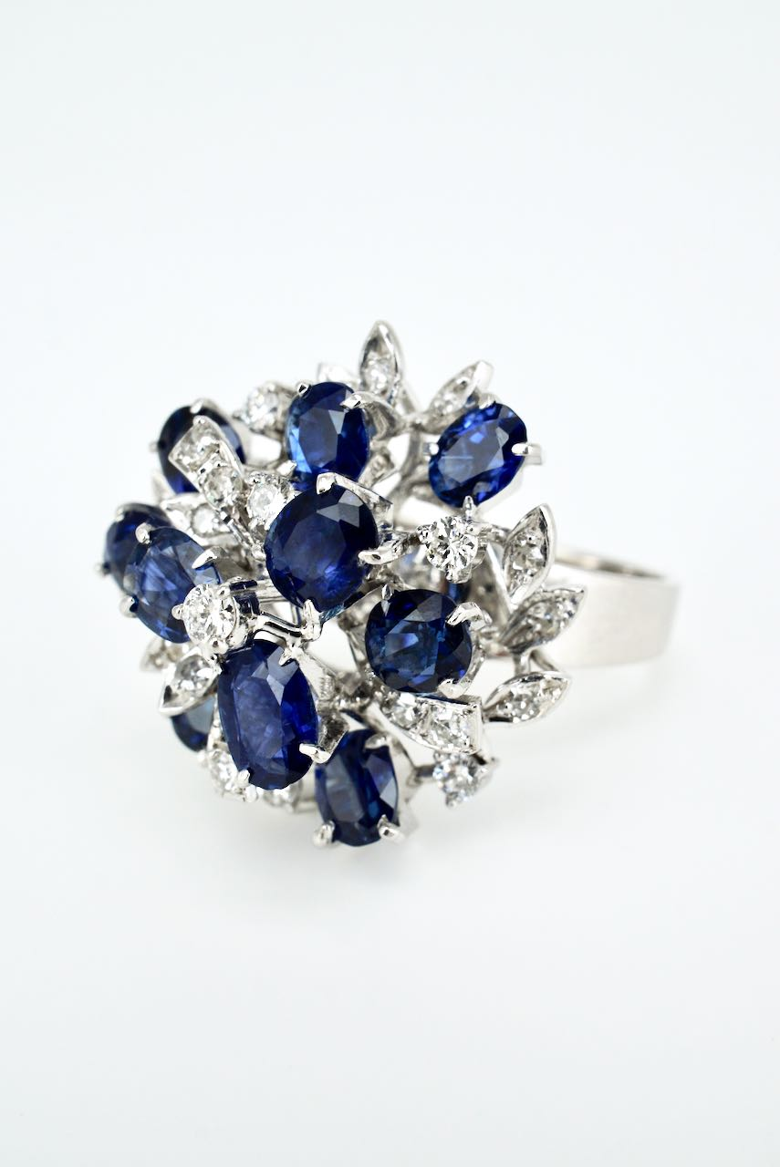 Vintage 18K White Gold Sapphire and Diamond Cluster Ring 1970s