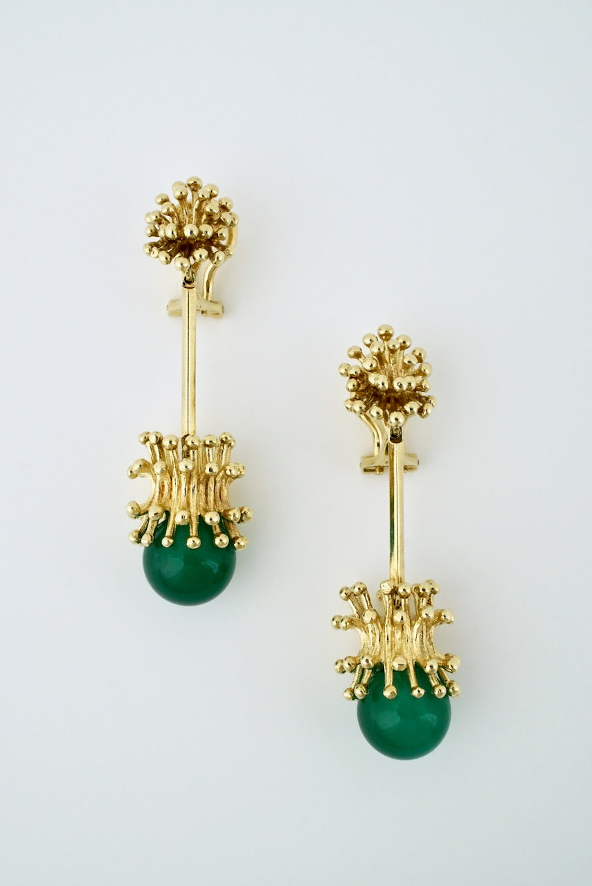 Vintage Modernist 14k Gold Green Agate Clip Earrings