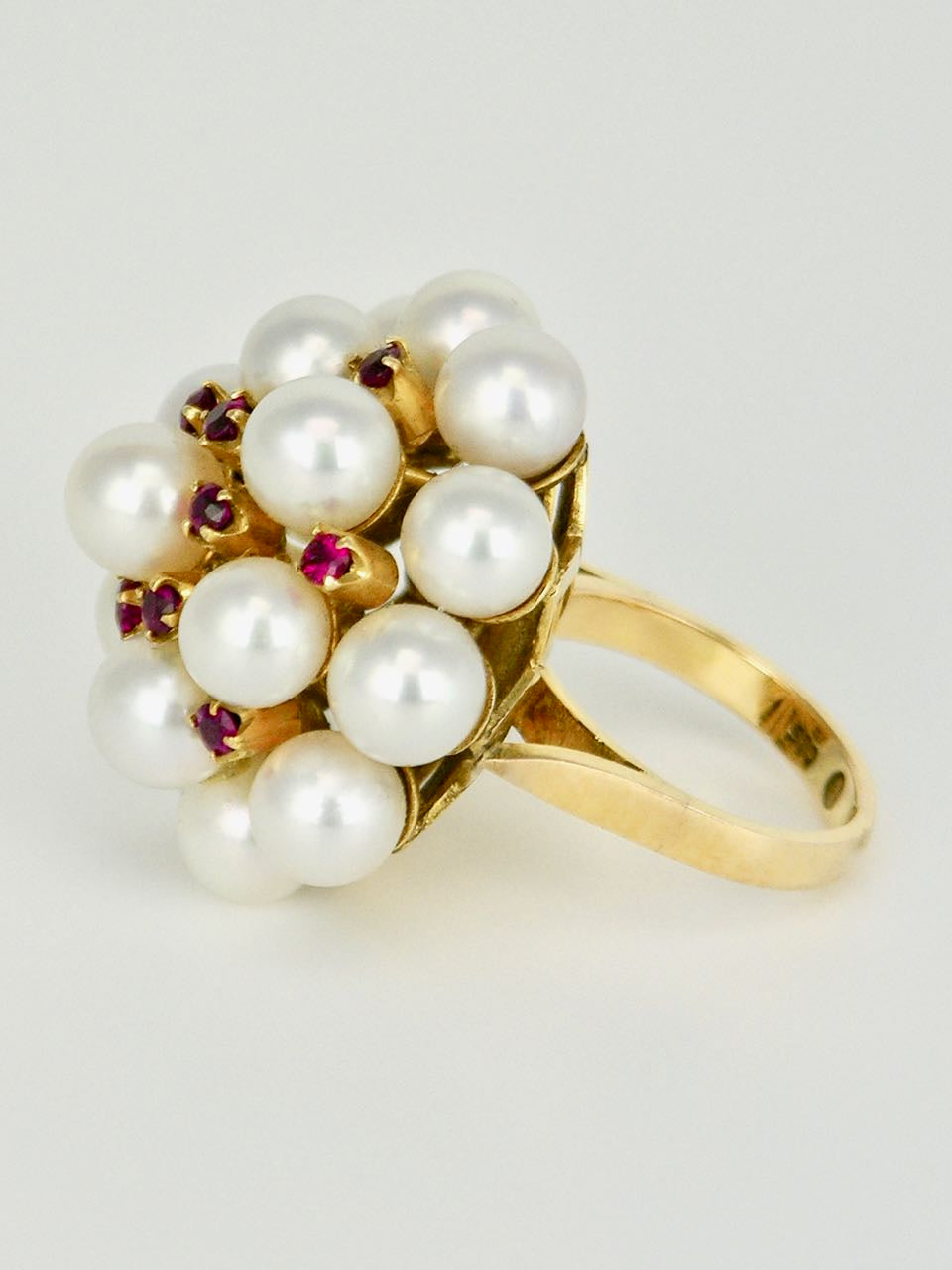 Mikimoto 14k Gold Pearl and Ruby Ring 1960s