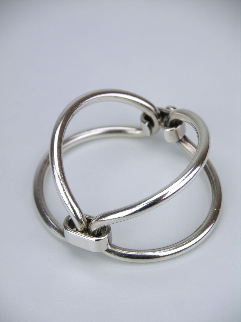 Gucci 1960's double loop bracelet