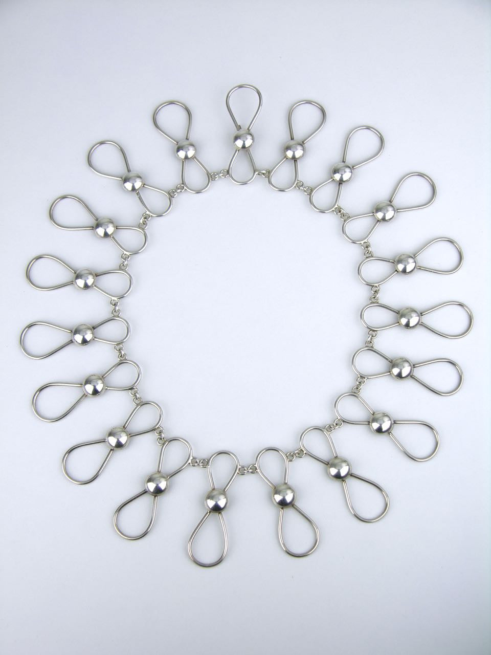"German Raebel silver ""figure of eight"" and dot collar necklace"