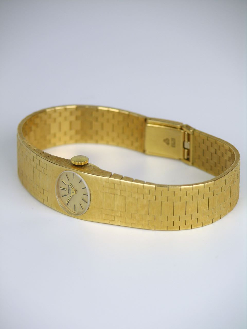 International Watch Company yellow gold dress Wristwatch