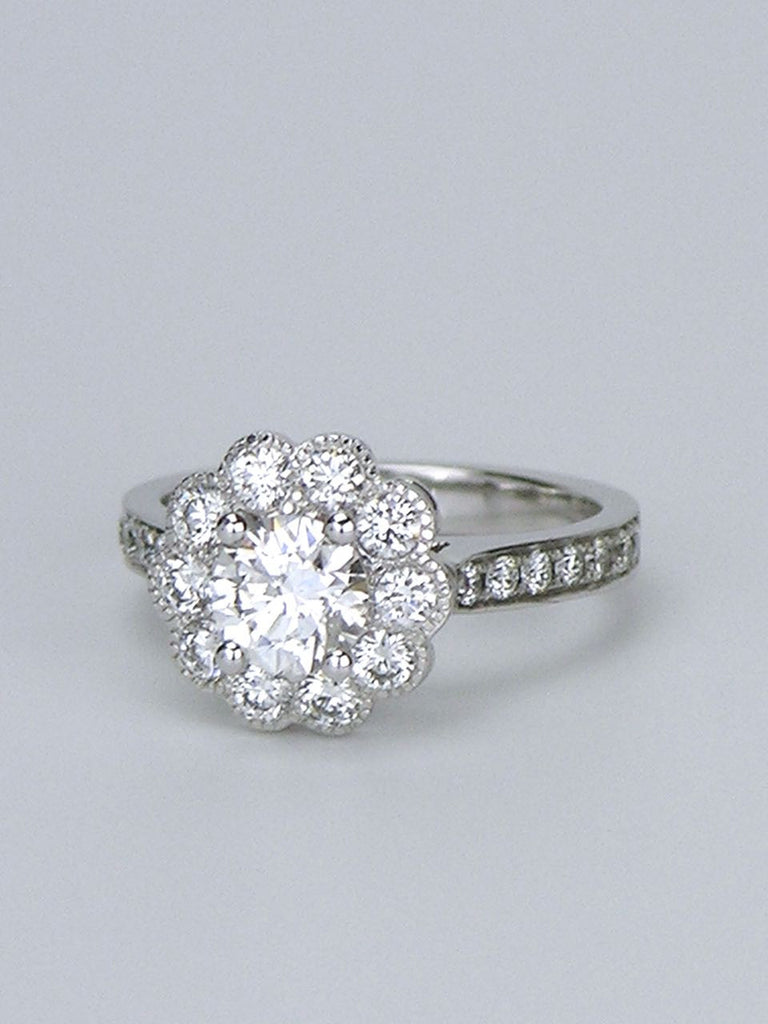 18k white gold cluster daisy diamond ring
