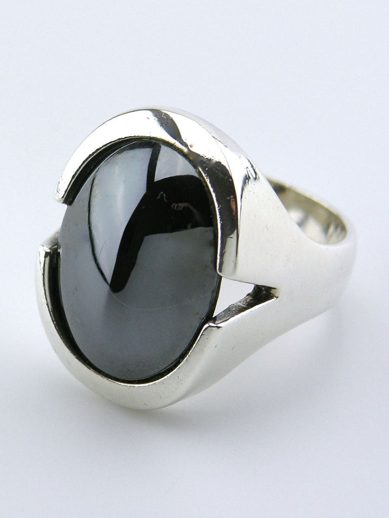 N E From solid silver oval haematite cabochon ring