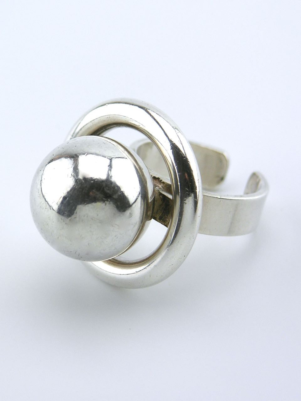 Franz Scheuerle solid silver modernist ball and halo ring