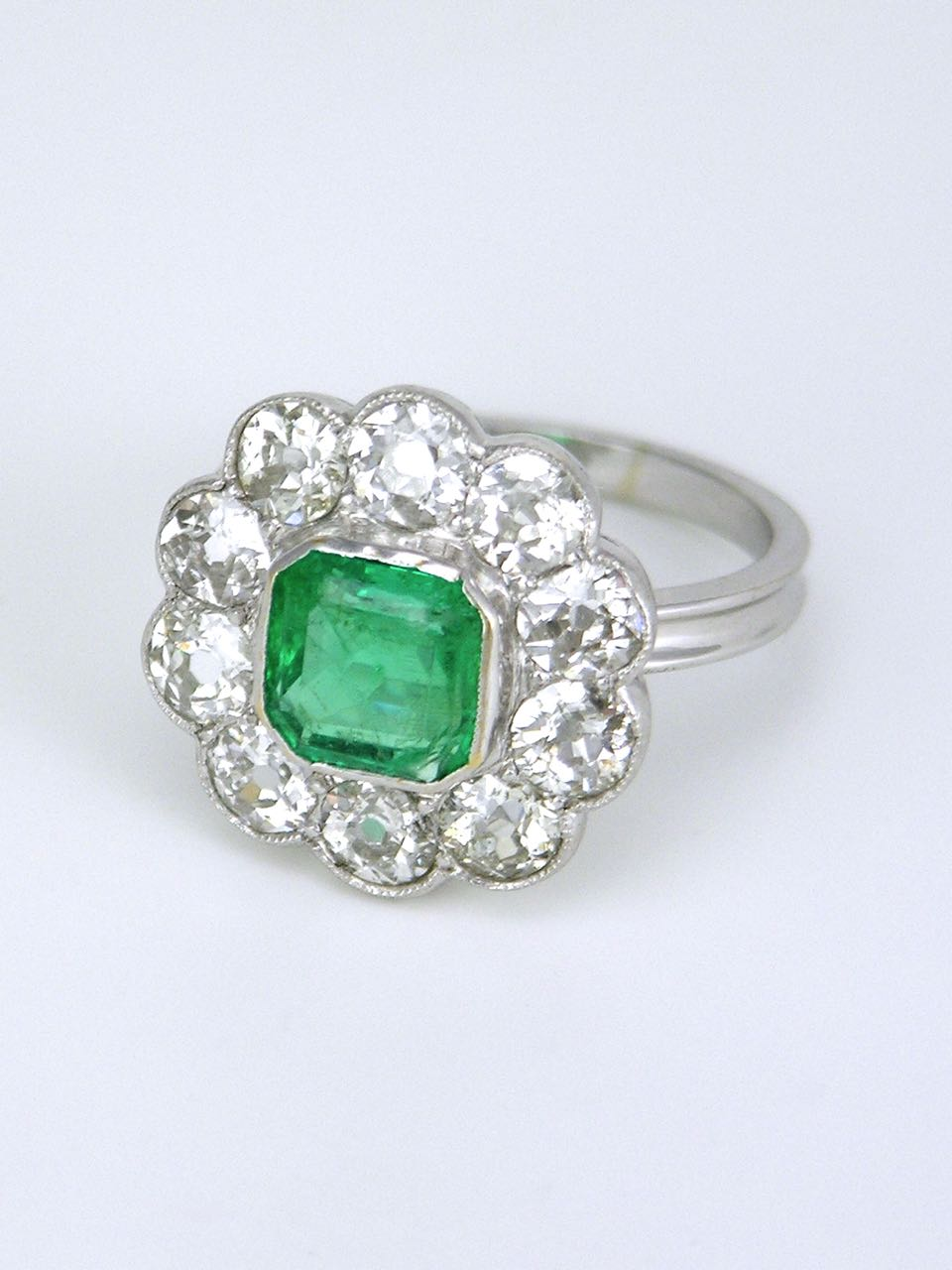 Vintage 18k White Gold Emerald and Diamond Cluster Ring 1940s
