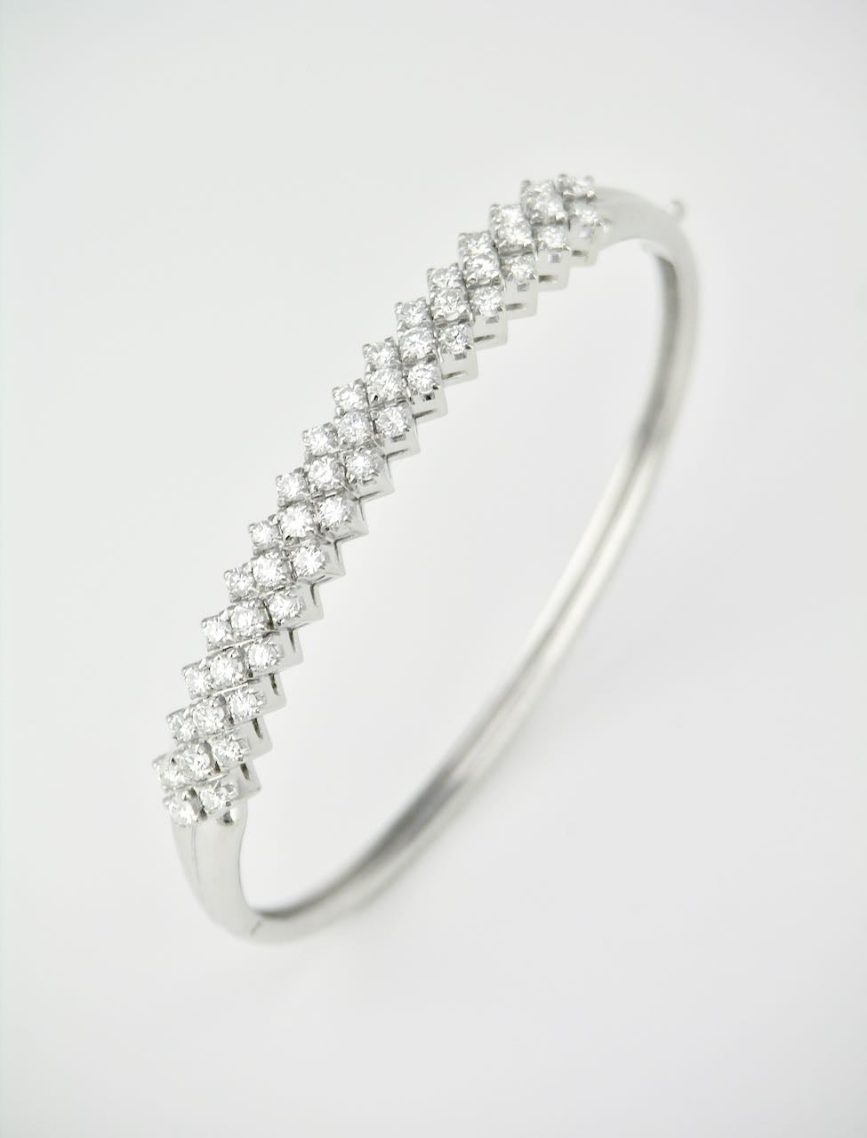 Vintage 18k White Gold Diamond Hinged Bangle Bracelet