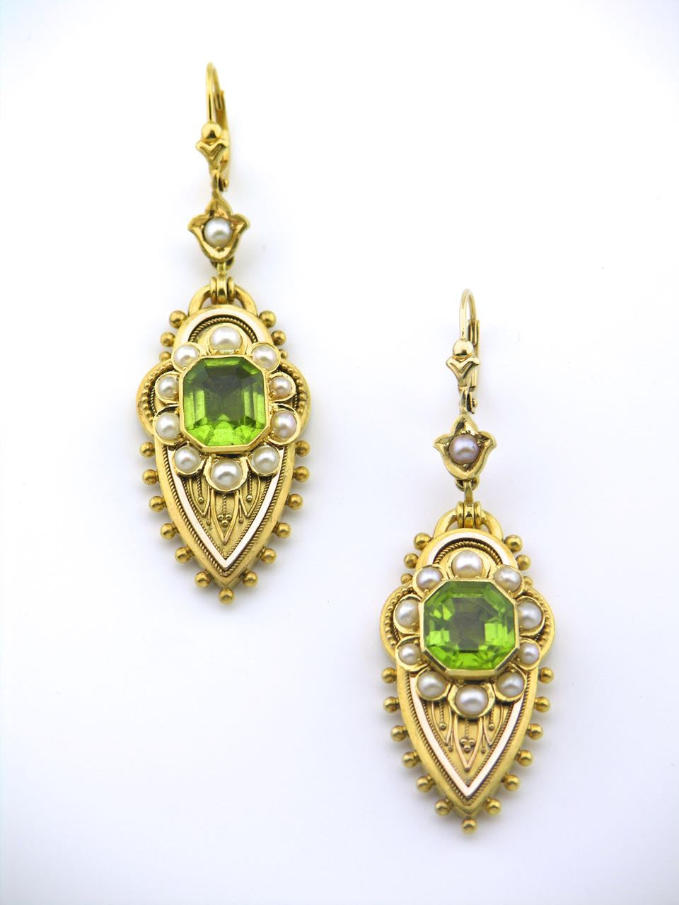 Victorian peridot and pearl 18ct yellow gold earrings