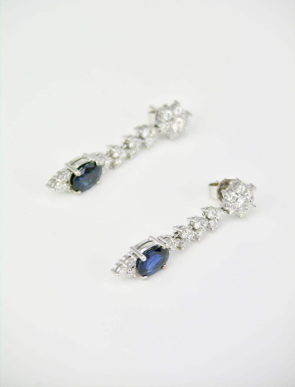 Vintage 18k White Gold Blue Sapphire Diamond Drop Earrings 1970s