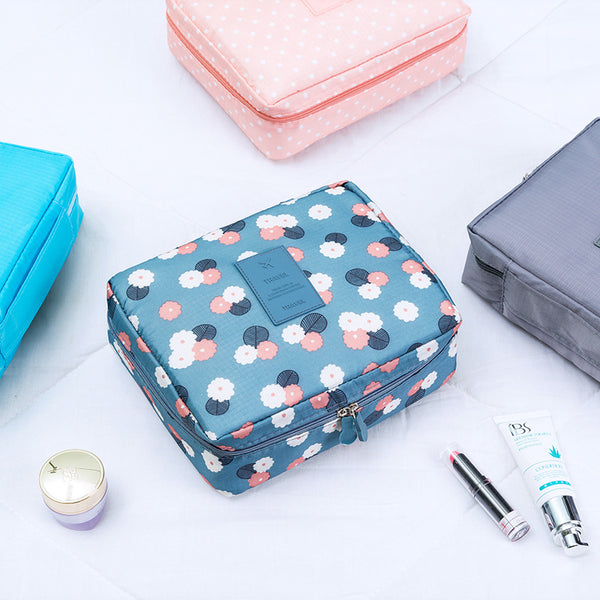 Easy Hanging Portable Toiletry Travel Bag