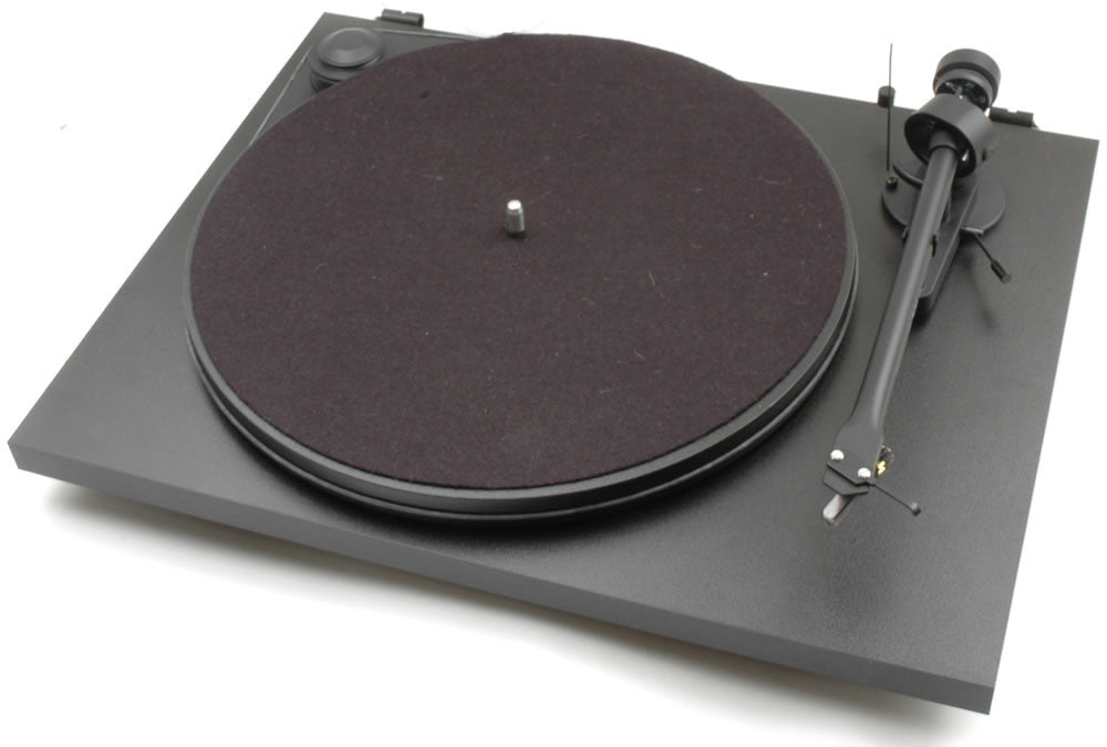 Essential II Turntable with Ortofon OM5e Cartridge