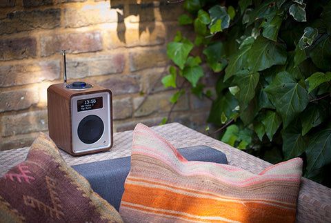 R1 MkIII Deluxe Tabletop Radio Bluetooth WALNUT