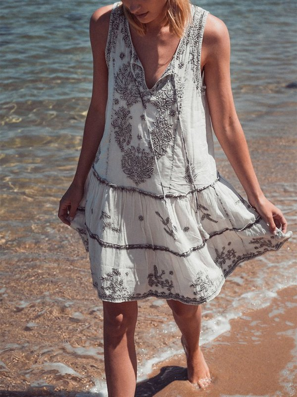 V Neck Sleeveless Embroidered Dress