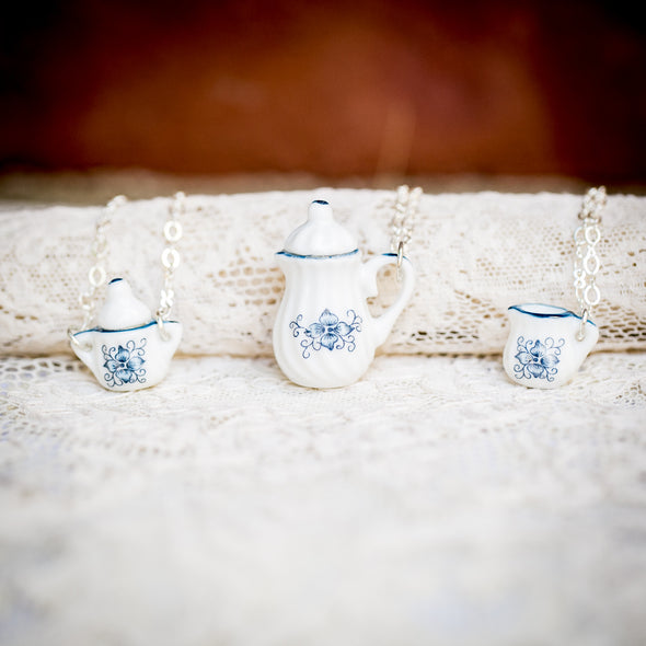 vintage doll house china tea-cup necklaces blue flower