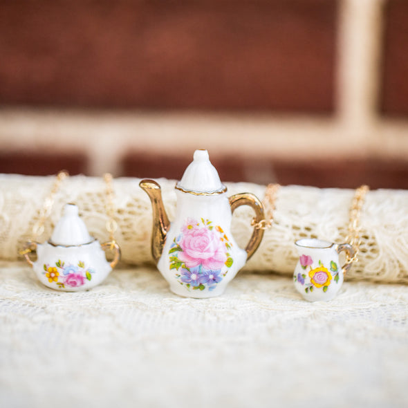 vintage doll house china tea-cup necklaces on lace