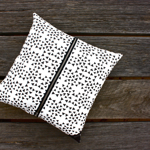 Cushion / Black Triangle One