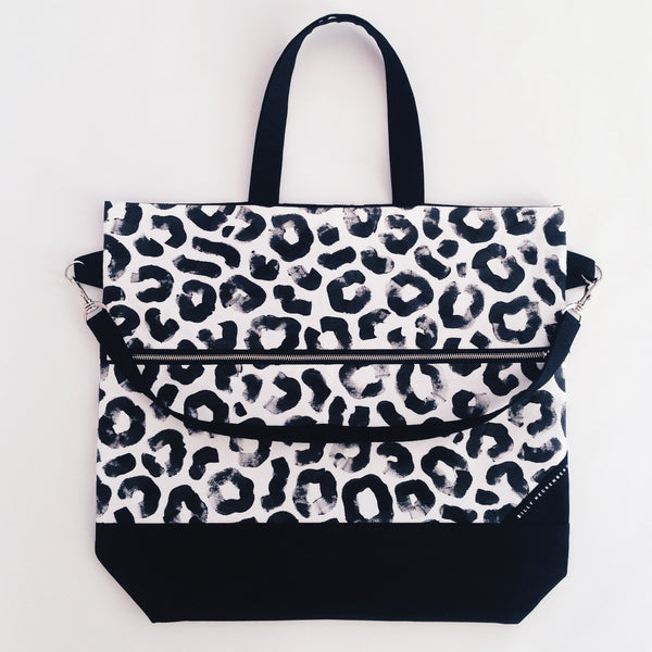 Carry All Bag / Monochrome Leopard