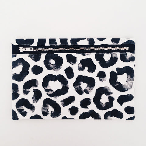 Clutch / Monochrome Leopard