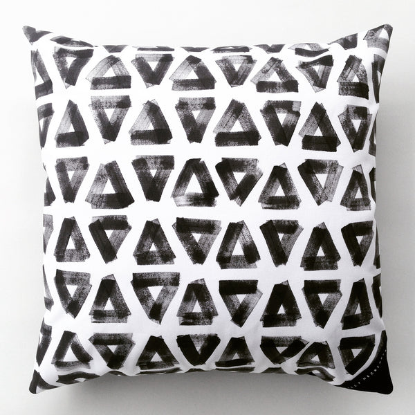 Cushion / Painted Triangle