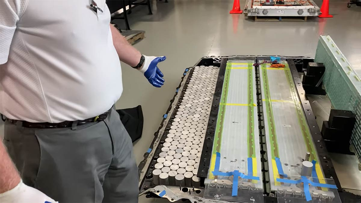 Experts agree Tesla's new 4680 battery is a winner - The ...