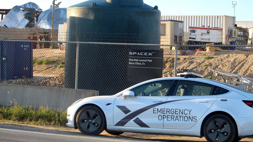 Model-3-SpaceX-Emergency-Operations_1024x1024.jpg?v=1599925722