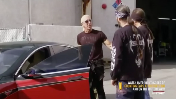 Twisted Sister S Dee Snider Gives His Tesla Model S A