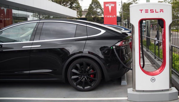 Tesla not yet ready to abandon battery swaps, new patent shows