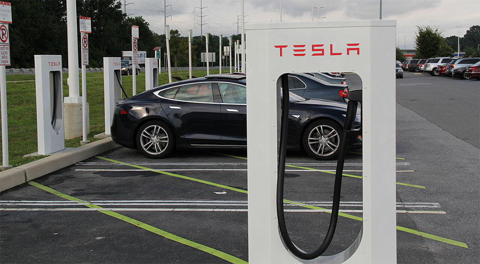 How Long Does It Take to Charge a Tesla at a Charging Station?