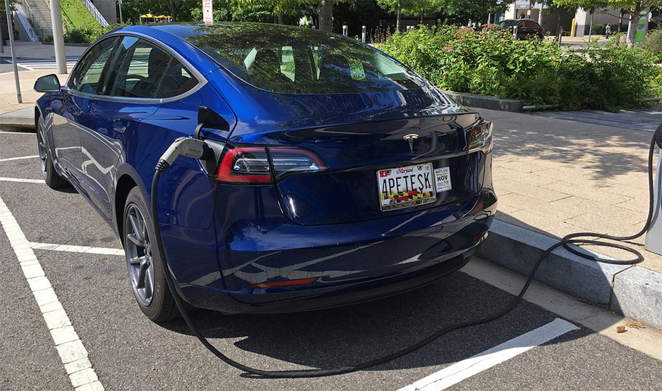 How Many Kwh to Charge a Tesla Model 3?