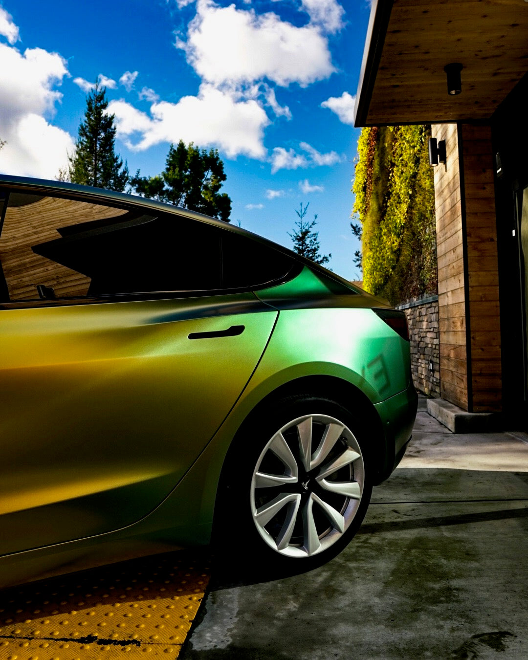 Tesla: Tesla Model 3 Owner Goes Green On St. Patrick's Day