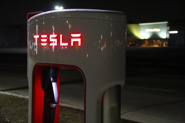 Check out Tesla's new V3 Supercharger in action [Video] | EVANNEX