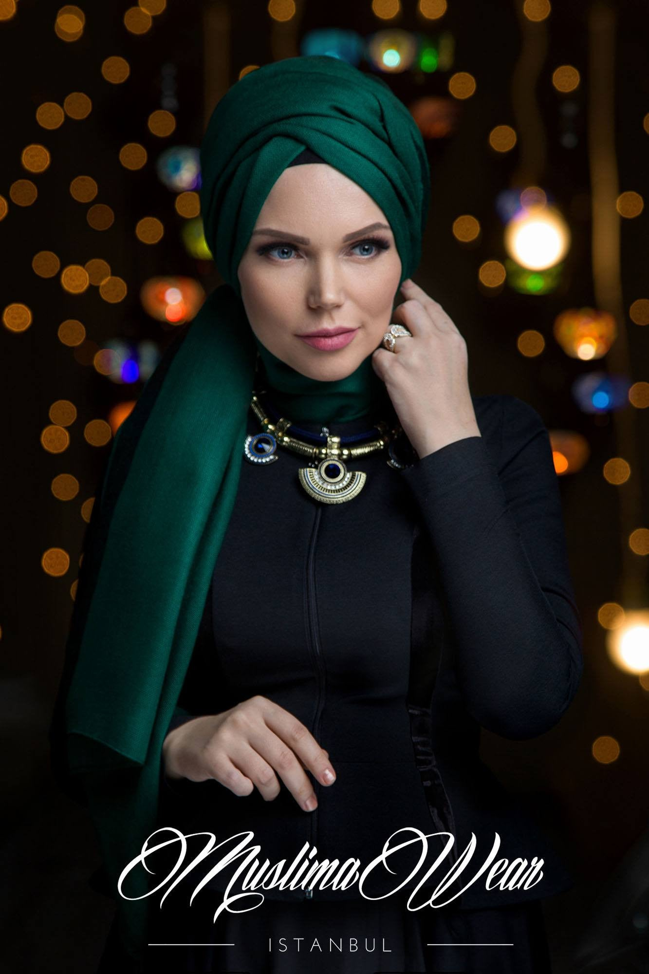 Queen Hijab Emerald Green - Muslima Wear 1