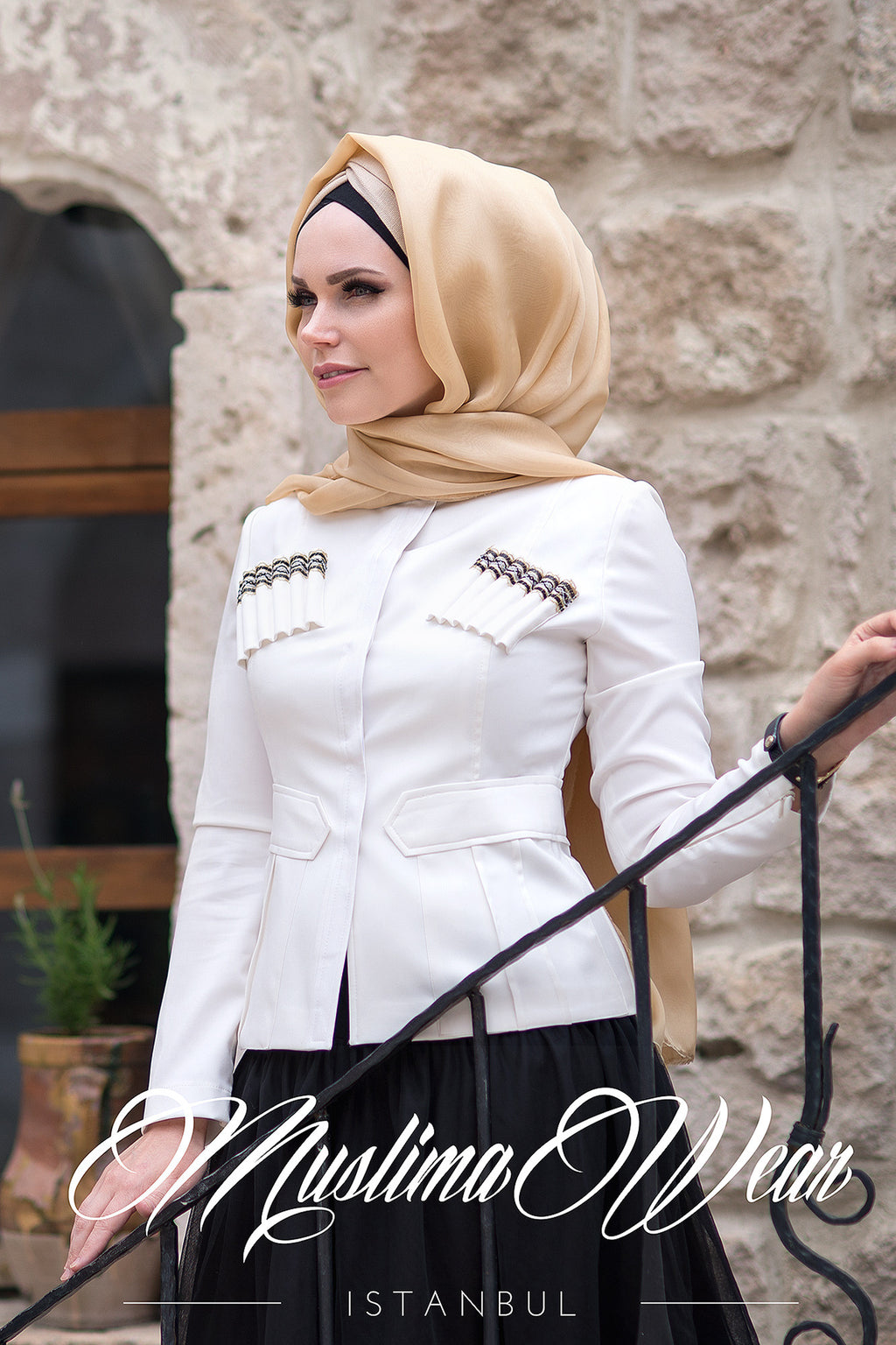 Gloria Jacket in Creamy White