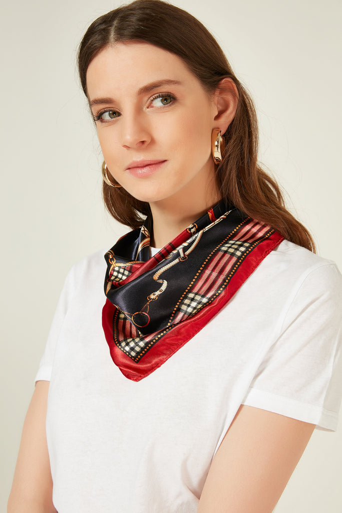 11625 Chain Patterned Red Kerchief