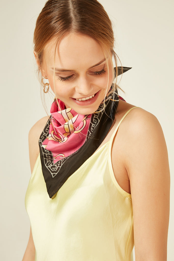 11815 Chain Patterned Pink Kerchief