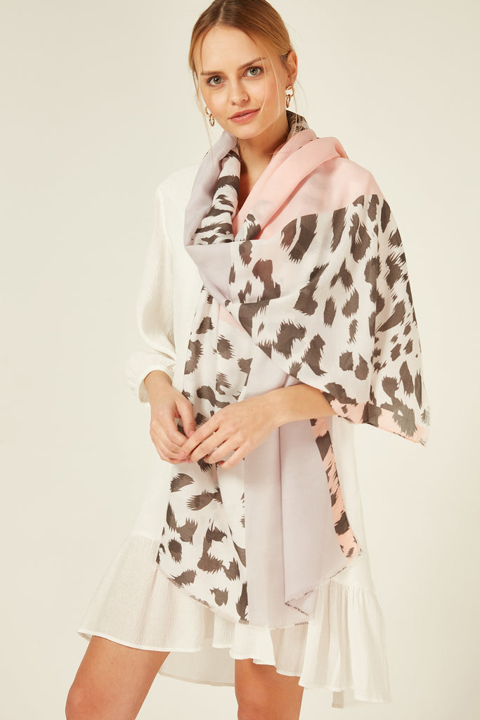11826 Leopard Patterned Pink  Shawl