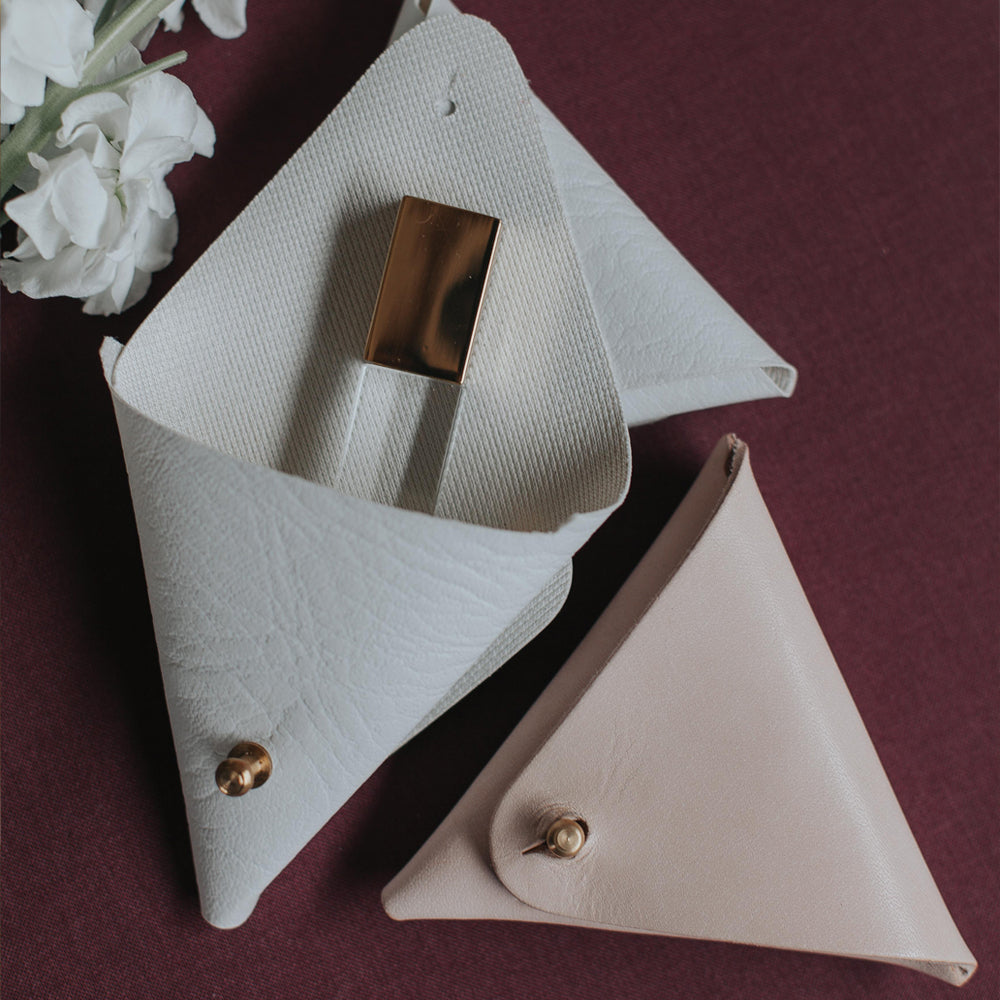 Triangle Pouch Snow and Nude