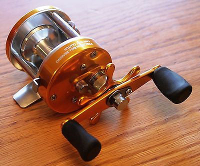 GOLD CL25 Crappie Sunfish Baitcast Fishing Reel Ice Walleye Pike Crappie