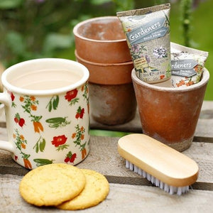 Gardeners Tea-Break Essentials with Hand Cream & Hand Wash, Nail Brush & Ceramic Mug