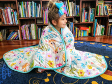 "Load image into Gallery viewer, Weighted Blanket Kids 5 lbs 55""x42"" Sensory Reinforced Plush Minky Glass Beads Perfect for Children 40 to 60 pounds Flower Pattern"
